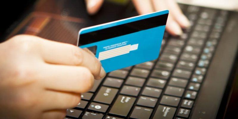 возврат денег на кредитную карту