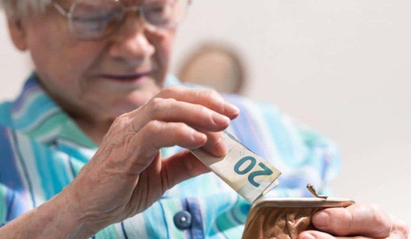 какие выплаты положены вдове военного пенсионера после его смерти