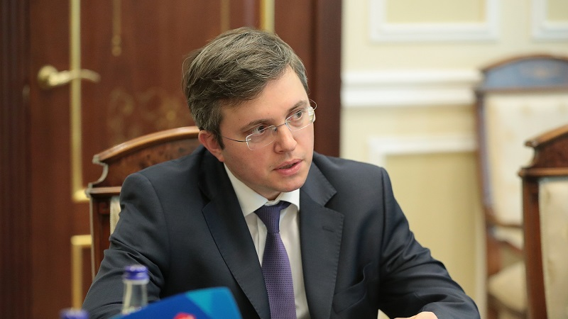 директор Уралсиб банка